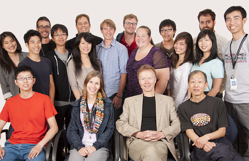 Members of the Tetzlaff Lab, summer 2014