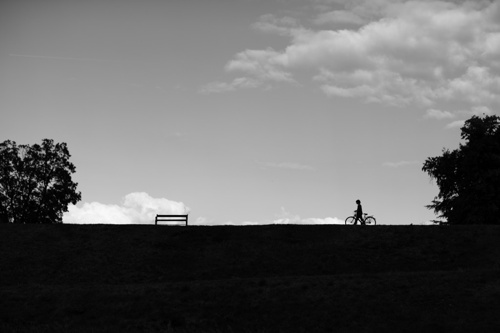 2015_04_Life-of-Pix-free-stock-photos-landscape-Boy-bike-sky-Andreas-Winter